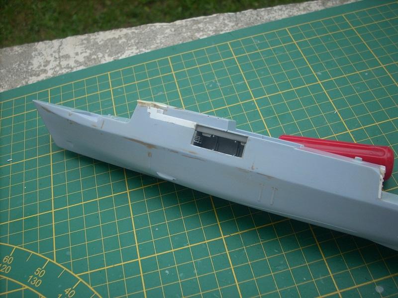 Frégate légère furtive Type La FAYETTE (et kit ARSENAL Réf KC 400 02)  Réf 81035 - Page 2 Dscn6241