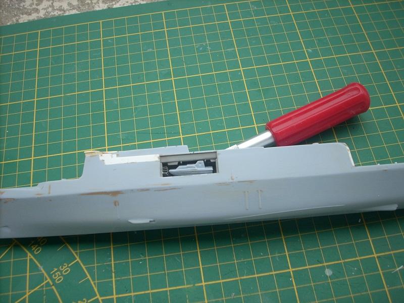 Frégate légère furtive Type La FAYETTE (et kit ARSENAL Réf KC 400 02)  Réf 81035 - Page 2 Dscn6242