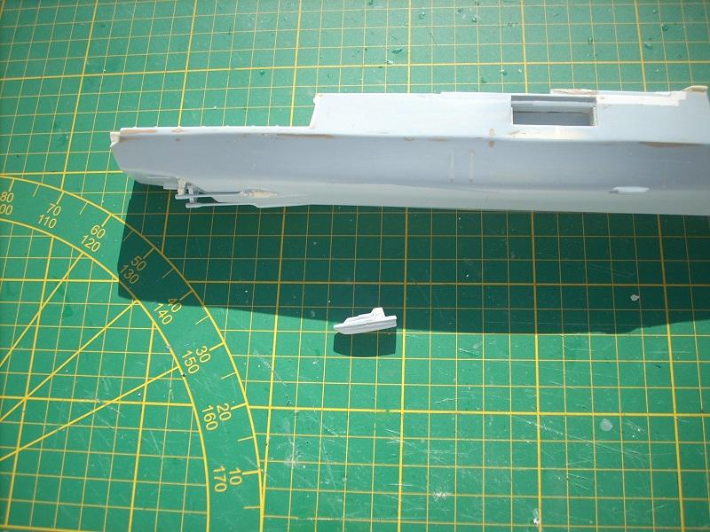 Frégate légère furtive Type La FAYETTE (et kit ARSENAL Réf KC 400 02)  Réf 81035 - Page 2 Dscn6311