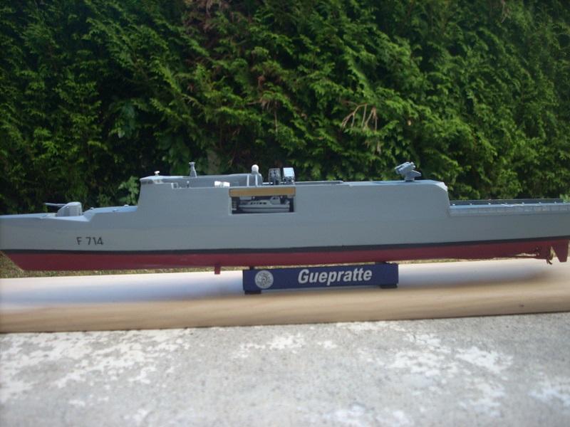 Frégate légère furtive Type La FAYETTE (et kit ARSENAL Réf KC 400 02)  Réf 81035 - Page 3 Dscn6412
