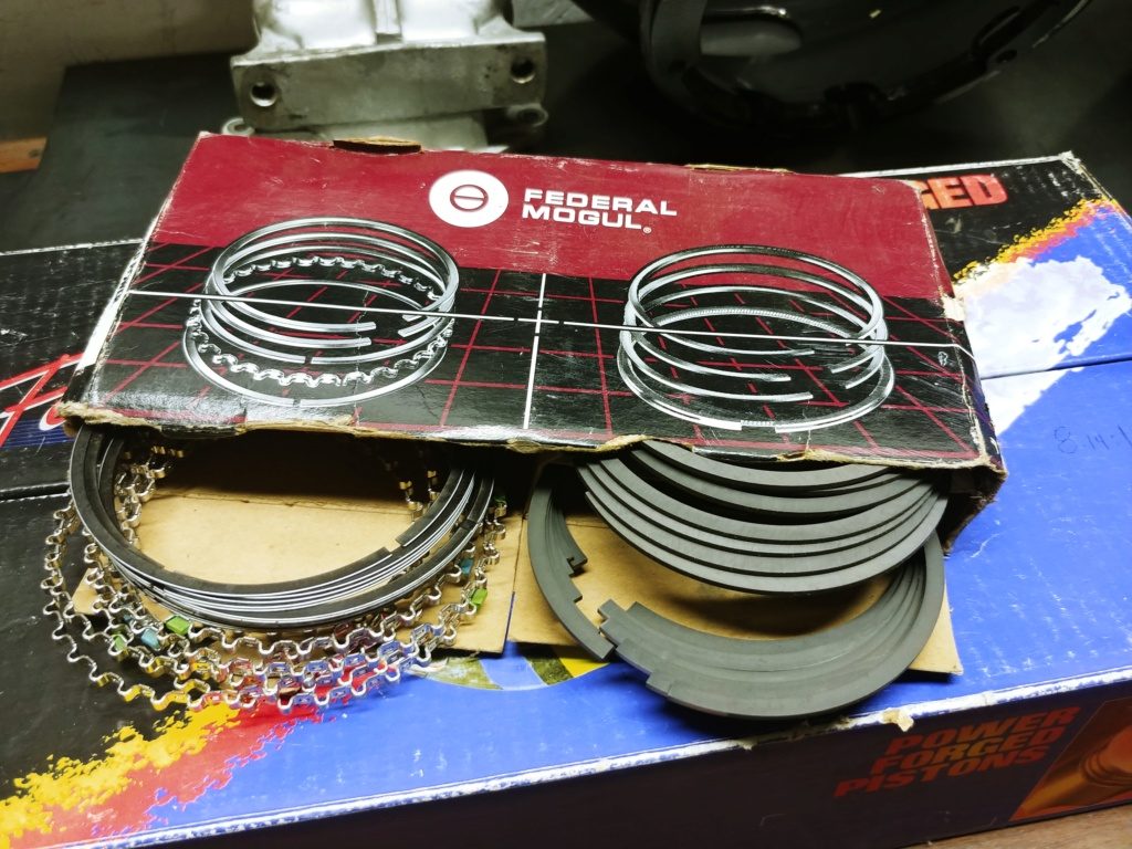 Federal Mogul/ Speed Pro L2404F .030 over pistons with rings 20190120