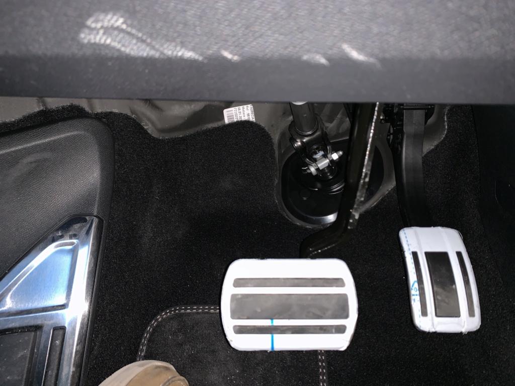 Hueco junto a los pedales 3b1f6510