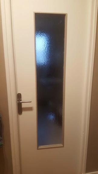 Par quoi remplacer mes vieilles vitres de portes? 20200510