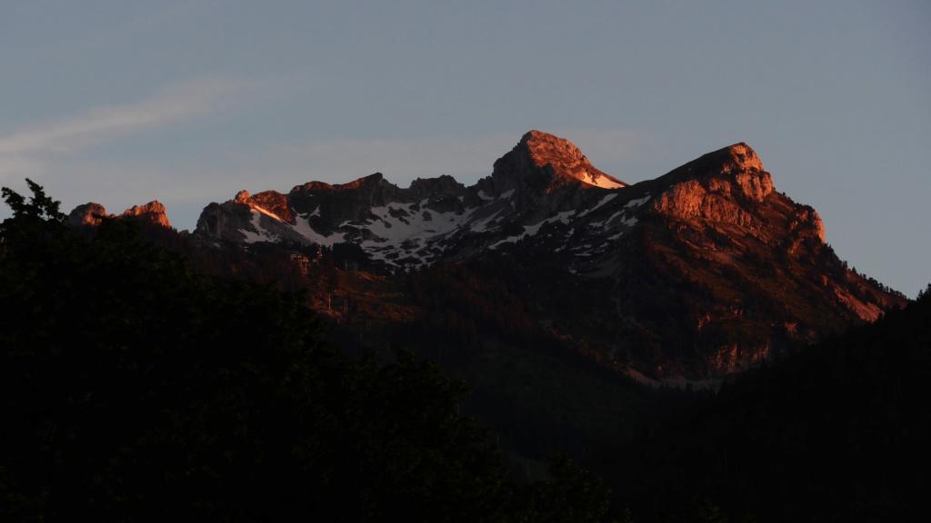 Extinction des feux sur la montagne P1012410