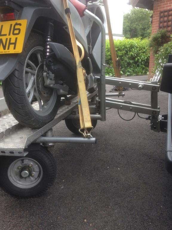 Honda SH125i and Easylift Hydra Trail Img_0011