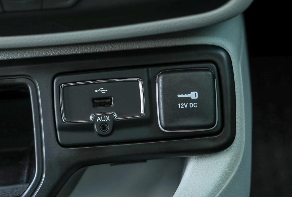 Vendo botão bipartido / shift paddle / tomada USB Tomada10