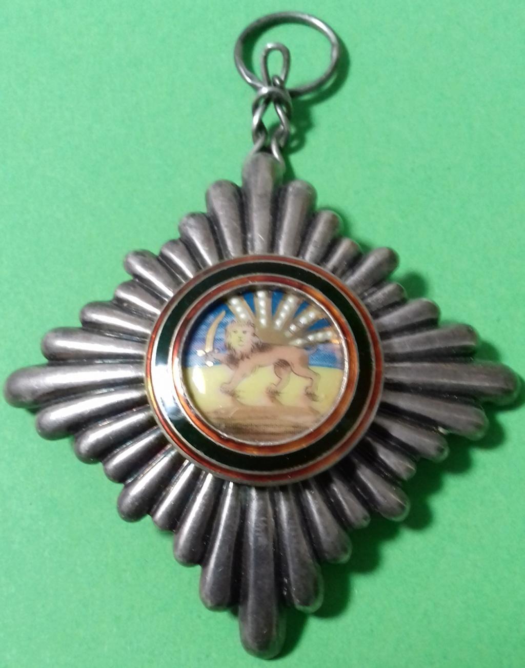 Ordre du Lion et du Soleil de Perse (ou Ordre du Homayoun d'Iran) Offici10