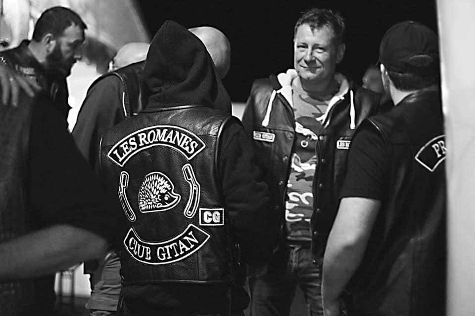 Couleurs des differents clubs de bikers - Page 30 72091510