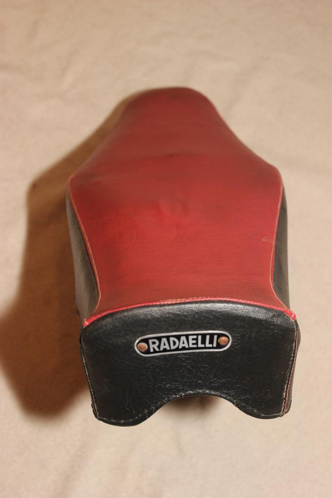 Selle Radaelli pour quel cyclomoteur? Img_6220
