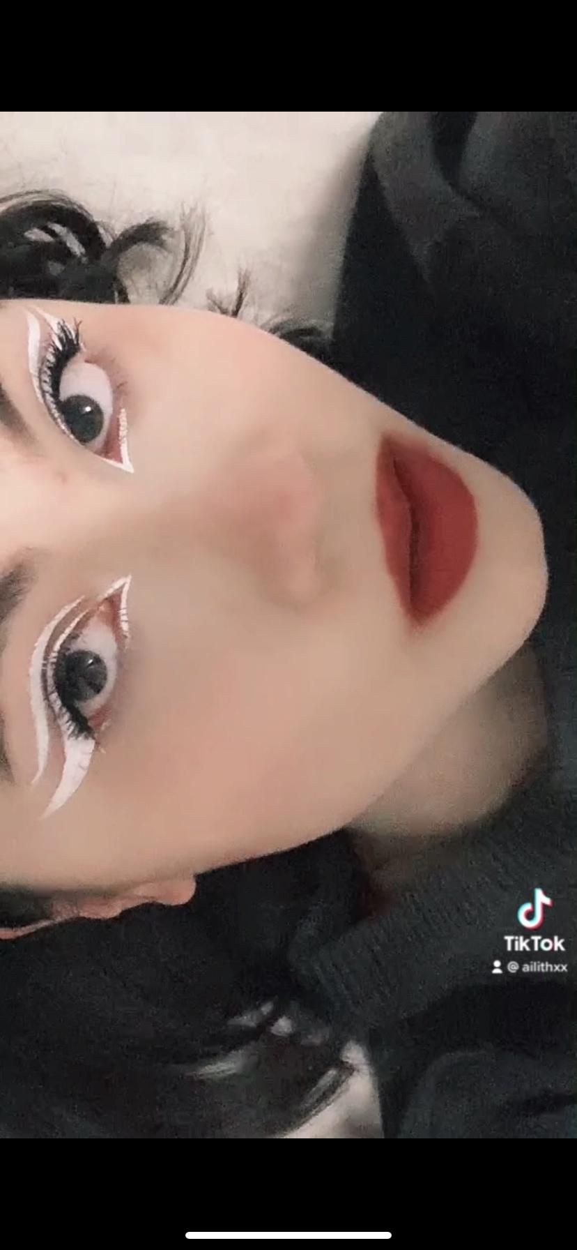 Galerie du maquillage 373fb310