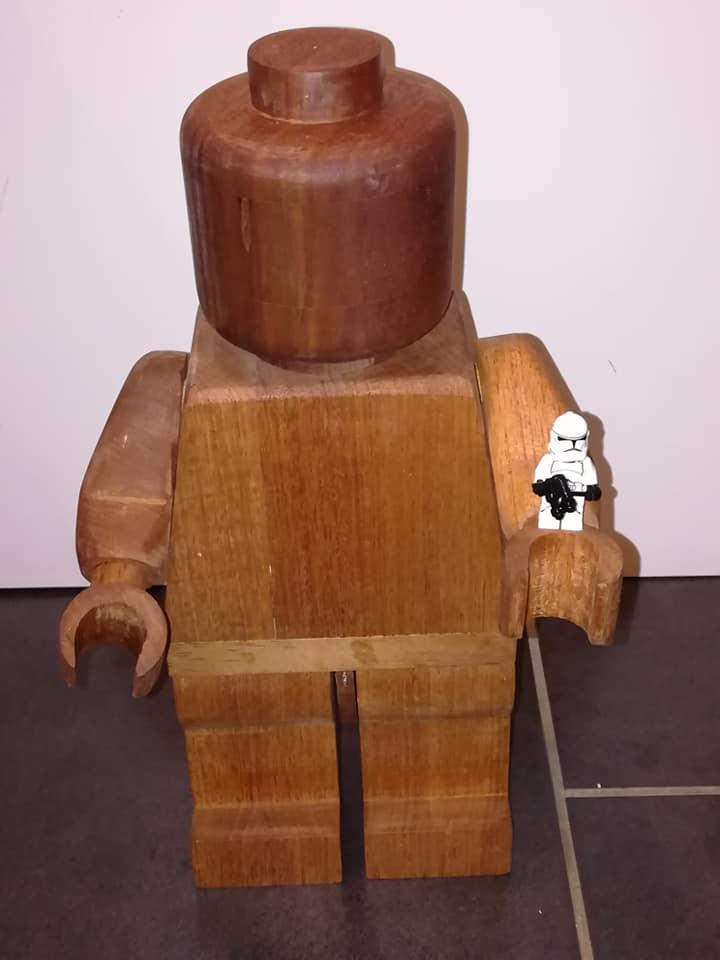 Il marche le bonhomme en bois 86701410