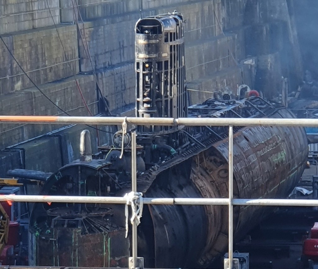 [Autre sujet Marine Nationale] Démantèlement, déconstruction des navires - TOME 2 - Page 15 2021-026