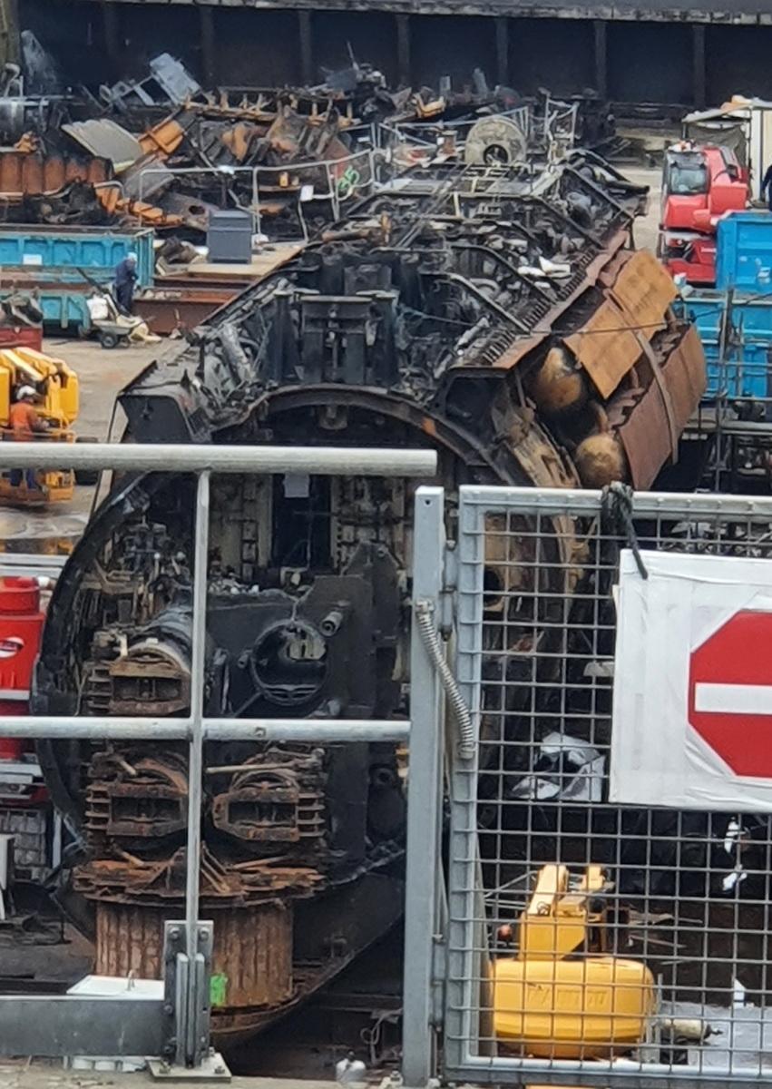 [Autre sujet Marine Nationale] Démantèlement, déconstruction des navires - TOME 2 - Page 17 2021-040