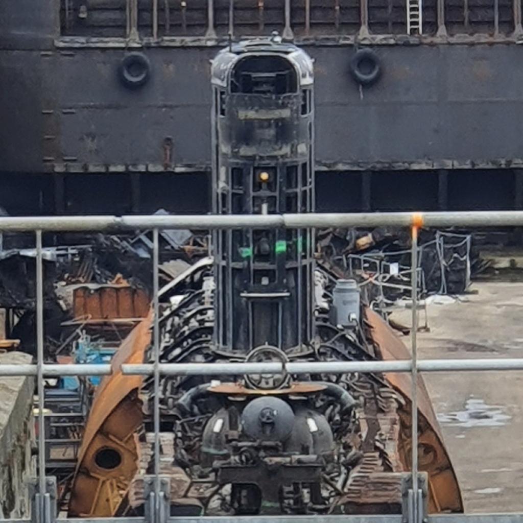 [Autre sujet Marine Nationale] Démantèlement, déconstruction des navires - TOME 2 - Page 17 2021-041