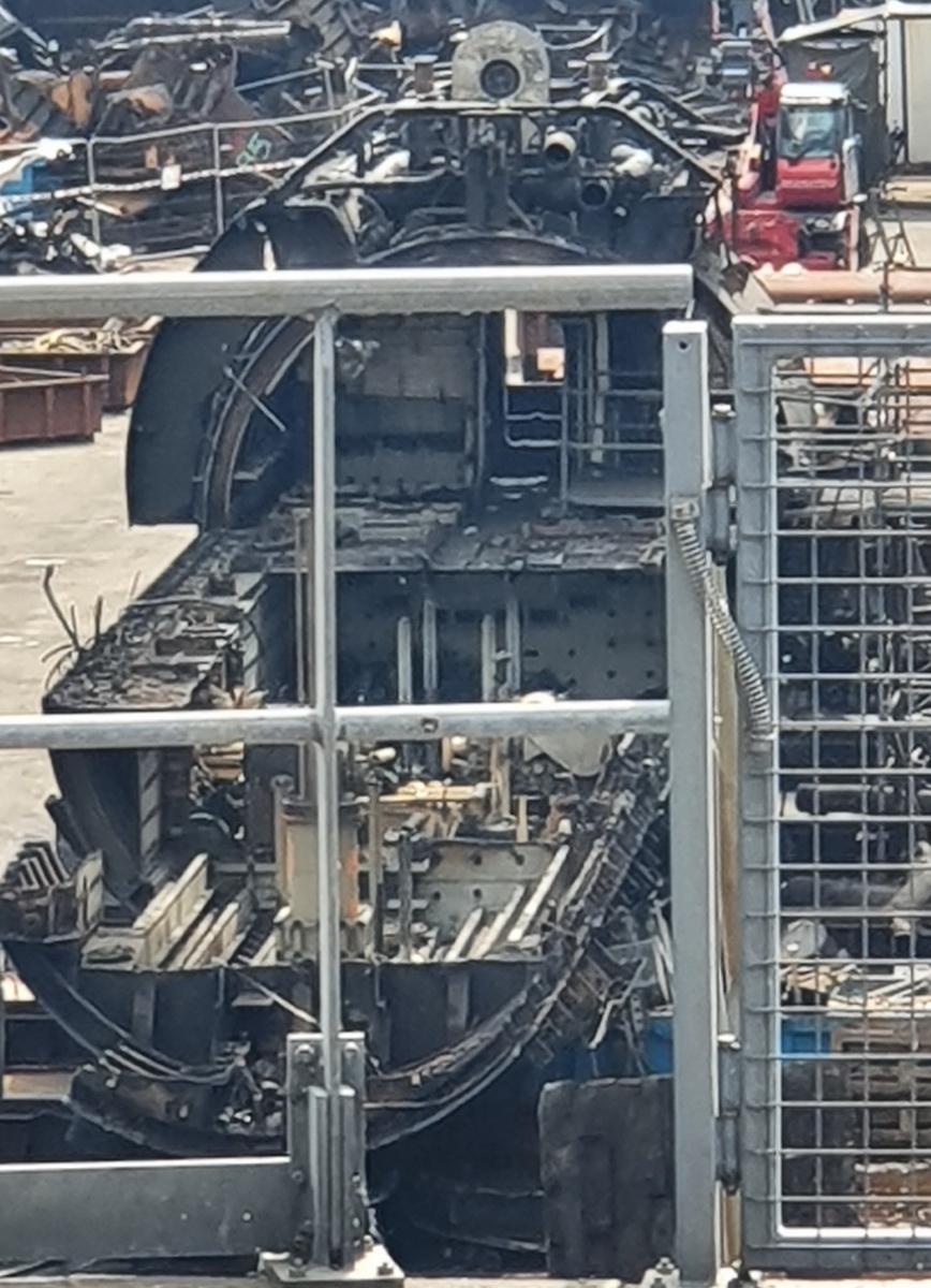 [Autre sujet Marine Nationale] Démantèlement, déconstruction des navires - TOME 2 - Page 19 2021-048