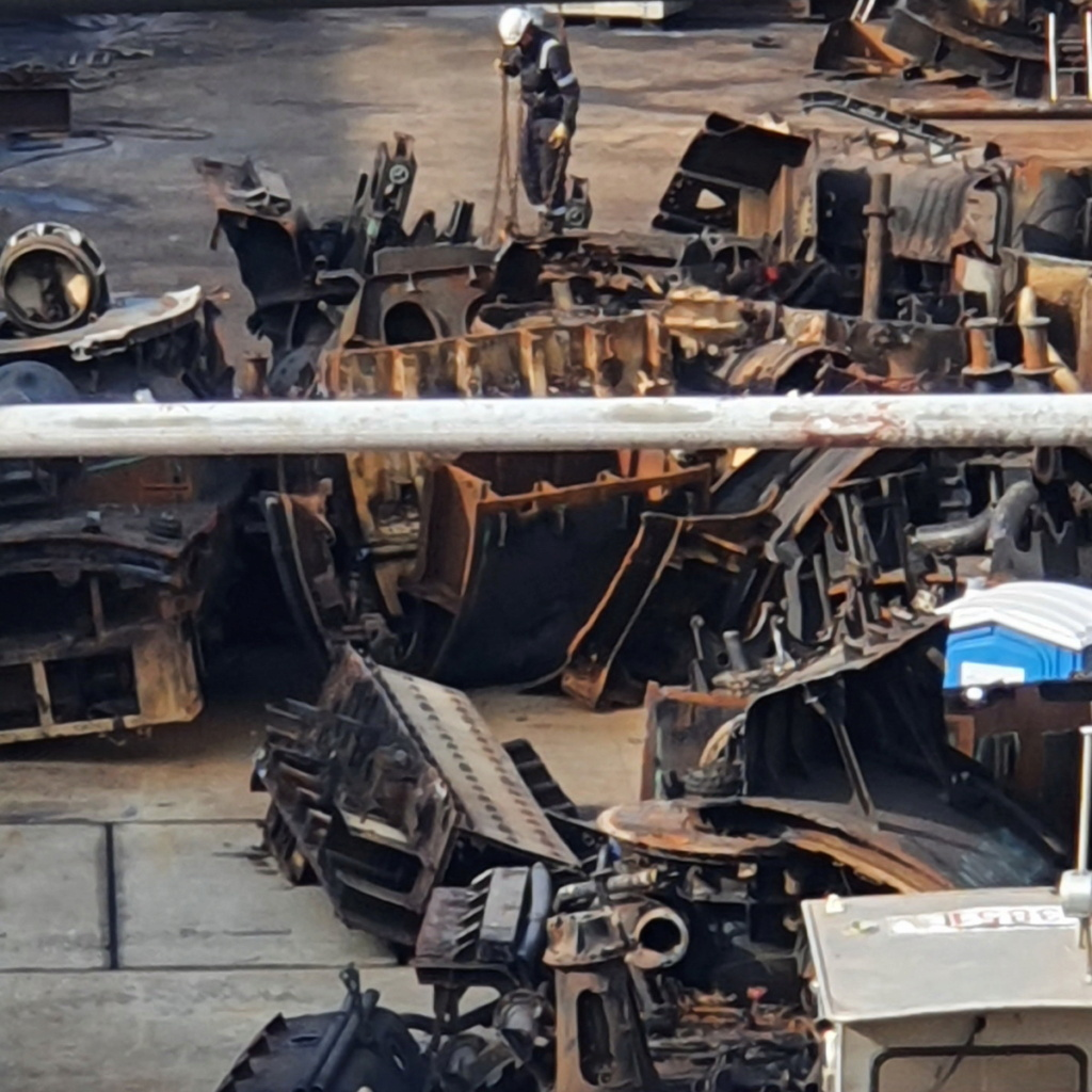 [Autre sujet Marine Nationale] Démantèlement, déconstruction des navires - TOME 2 - Page 19 2021-053