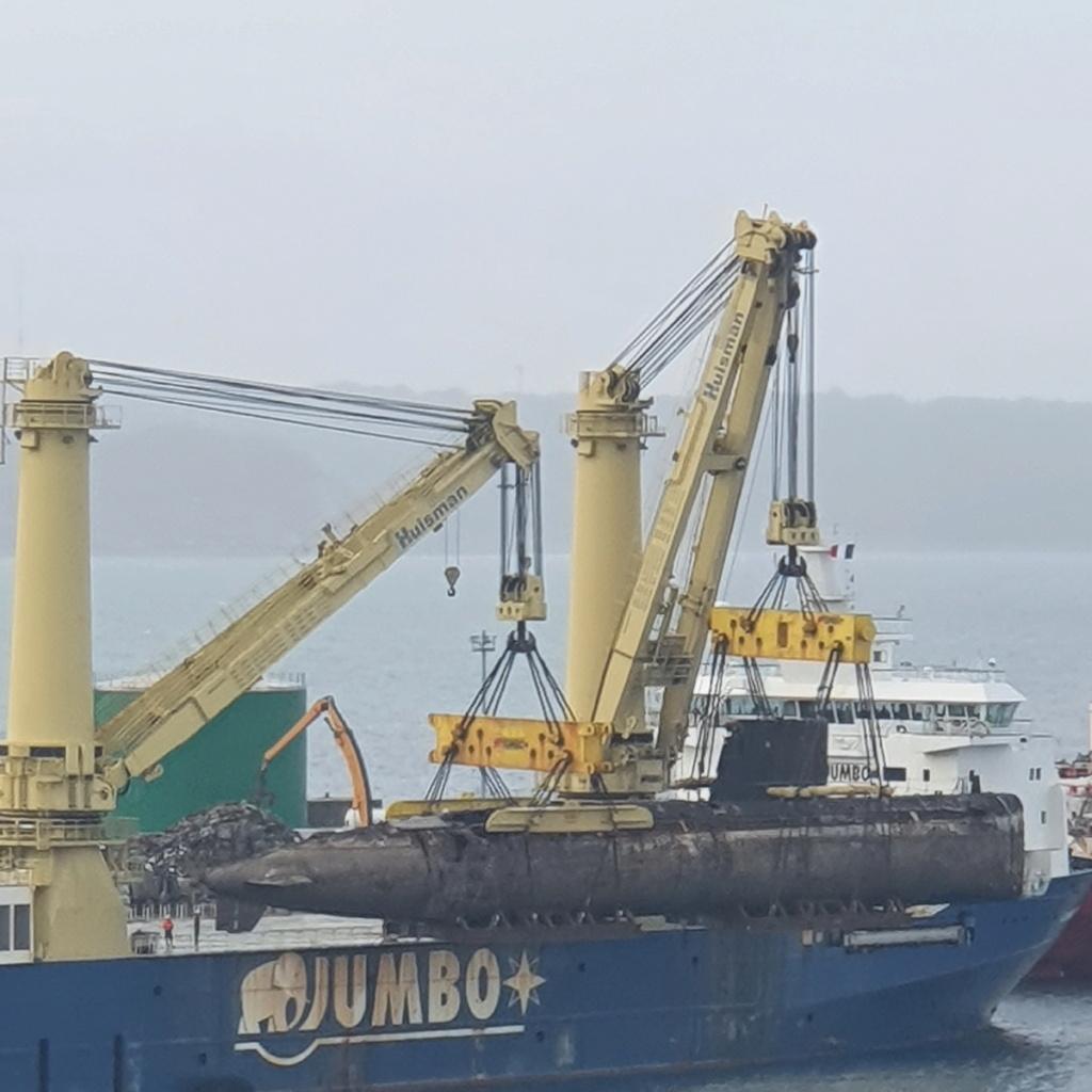[Autre sujet Marine Nationale] Démantèlement, déconstruction des navires - TOME 2 - Page 22 2021-061