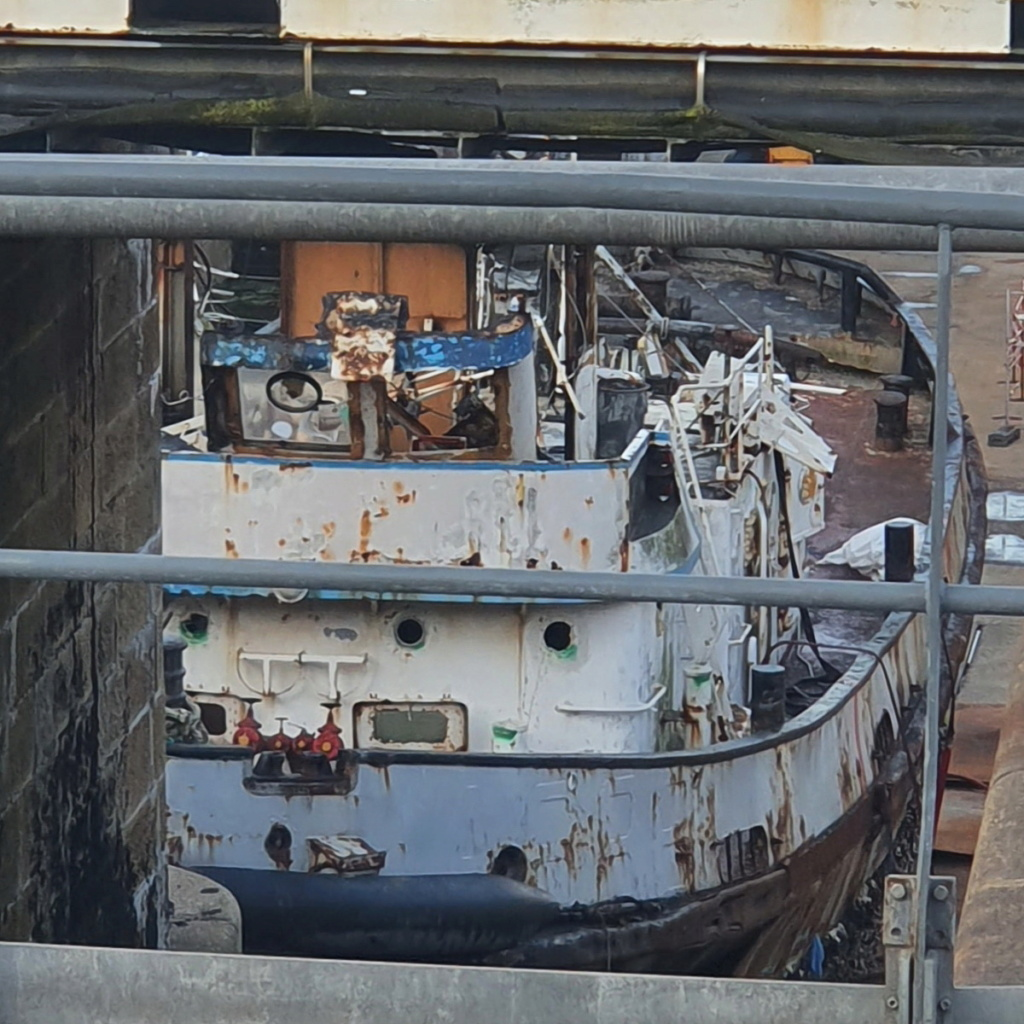 [Autre sujet Marine Nationale] Démantèlement, déconstruction des navires - TOME 2 - Page 24 2021-065