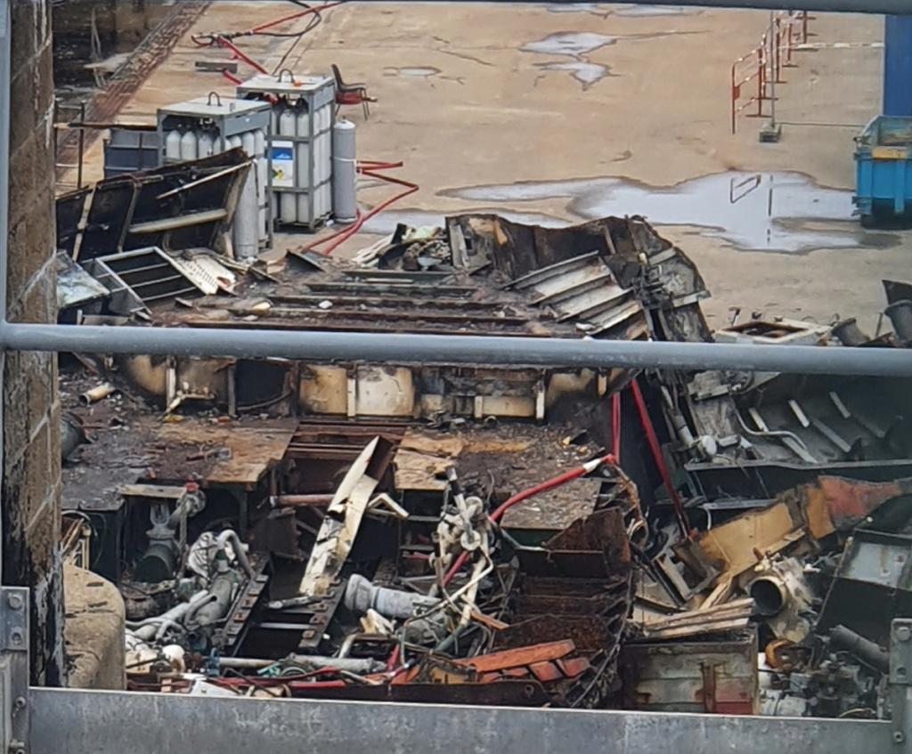 [Autre sujet Marine Nationale] Démantèlement, déconstruction des navires - TOME 2 - Page 25 2021-072