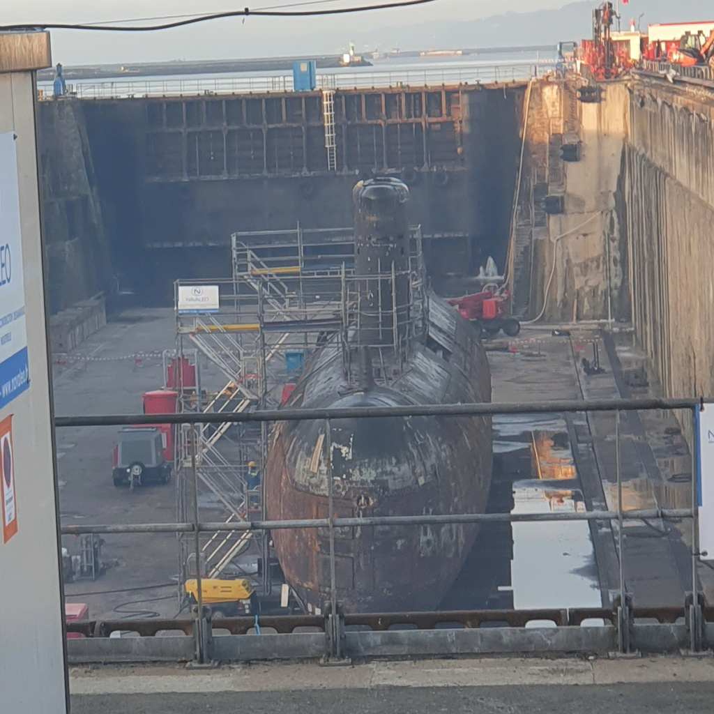 [Autre sujet Marine Nationale] Démantèlement, déconstruction des navires - TOME 2 - Page 26 2021-076