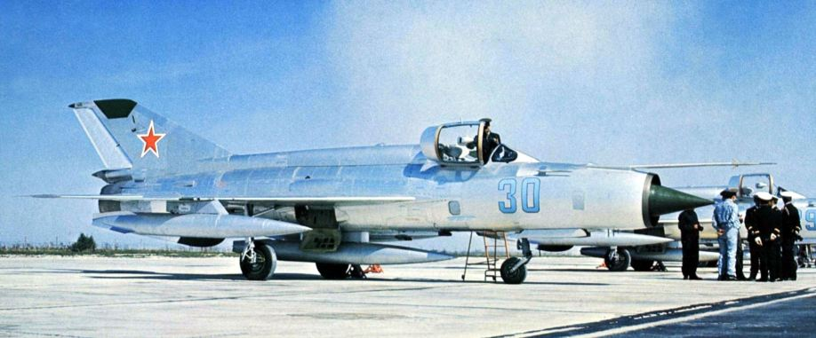 Fate of Russia's old birds. - Page 6 Mig-2113