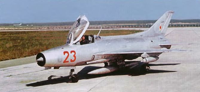 Fate of Russia's old birds. - Page 6 Mig21f10