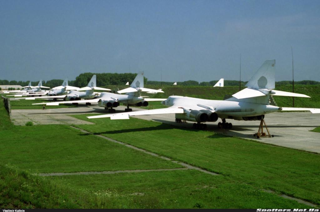 "Tu-160 ""White Swan"" #2 - Page 2 Sbtu1611"