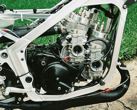 Les bons vieux 2 temps ... Motorr10