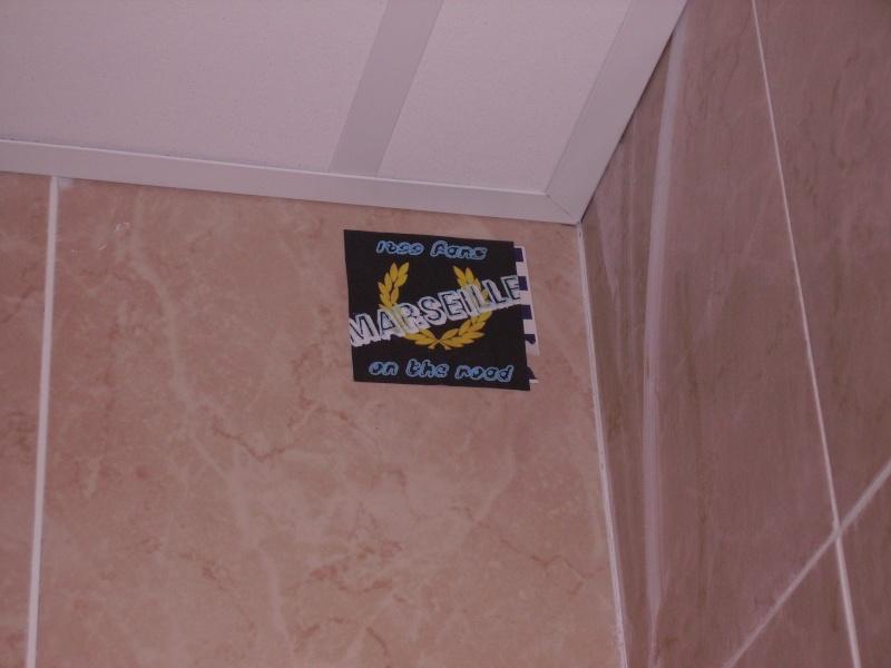 """Stickers """"Partout/Toujours"""" (Photos/débats) - Page 2 Pict0116"""