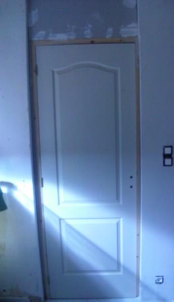 Bâti porte sur mur pas droit Porte10