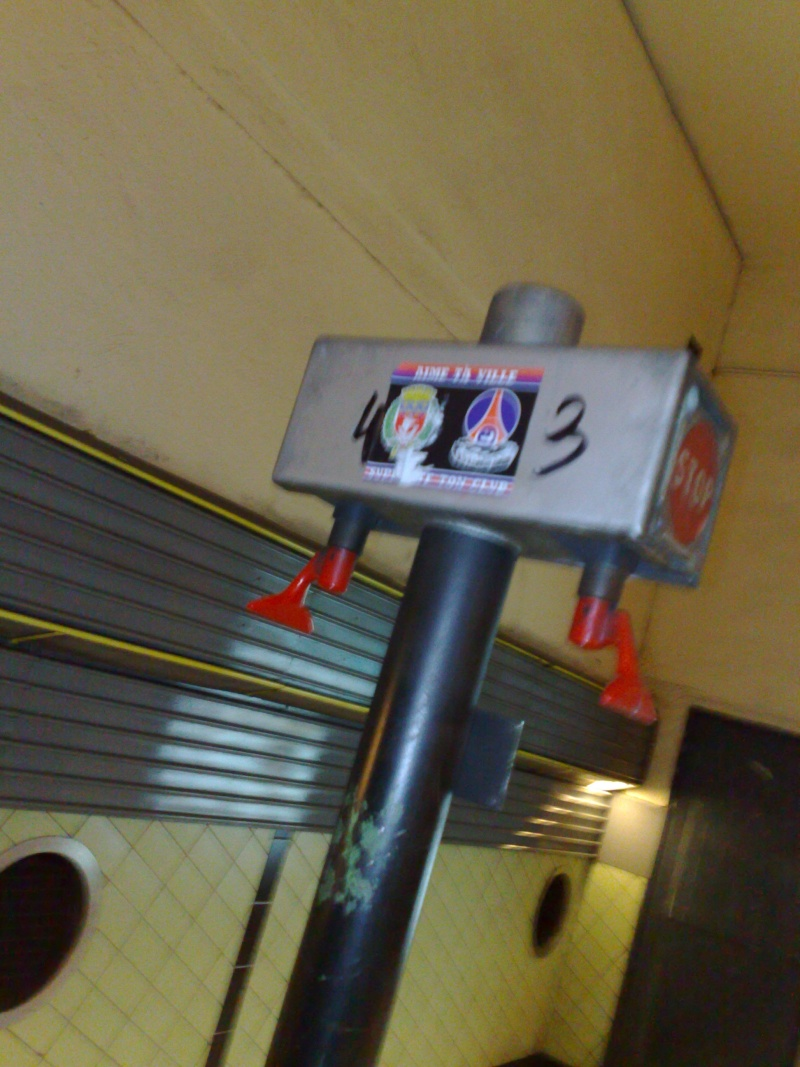 """Stickers """"Partout/Toujours"""" (Photos/débats) - Page 21 Photo317"""