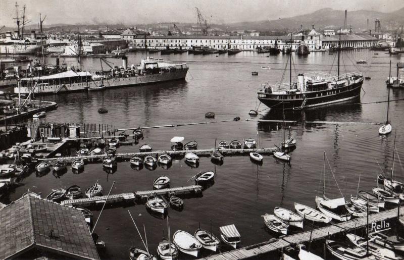 [ Les ports  militaires de métropole ] Toulon des années 30 Rade_t10