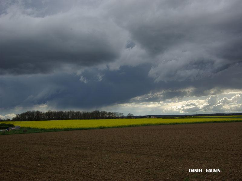 Ciels orageux toulousain -15/04/09 Vac-av11