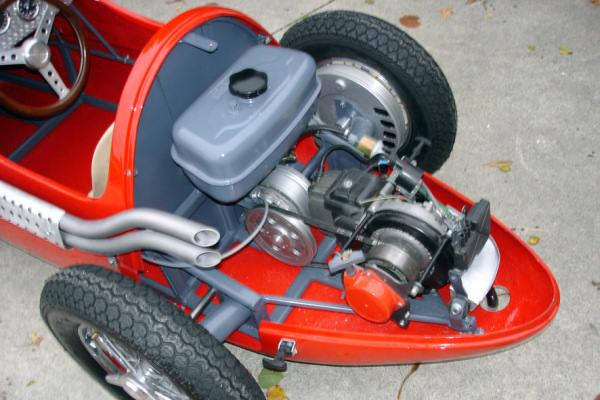 voiture a moteur de ciao Engine10