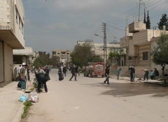 جمعية اصدقاء سلمية تقوم بتنظيف تعاوني لشوارع سلمية 77777710