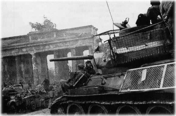 Berlin 1945 T-34_810