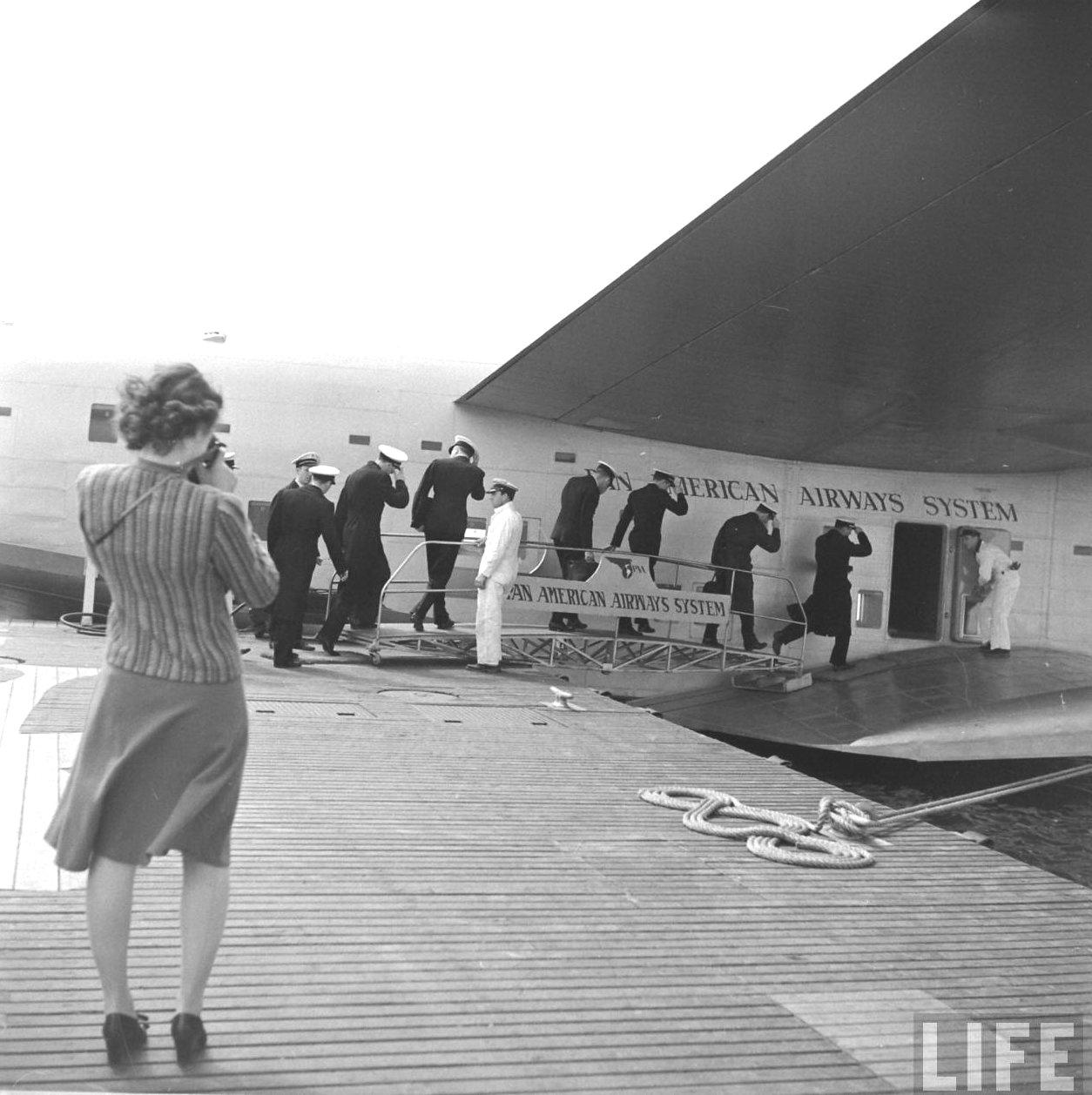 "Boeing 314 ""Honolulu Clipper"" - Page 7 1010"
