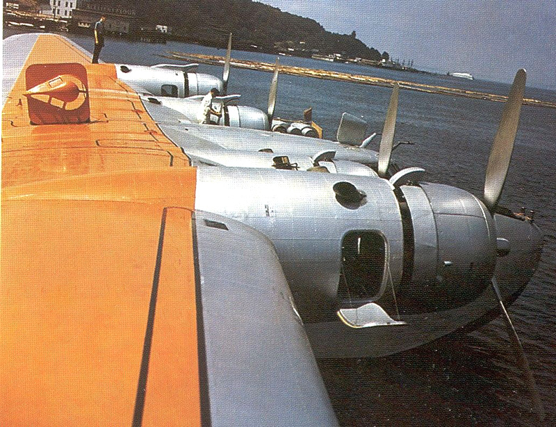 """Boeing 314 """"Dixie Clipper"""" 1939-1950 (/1/144 Minicraft) - Page 3 Boeing25"""