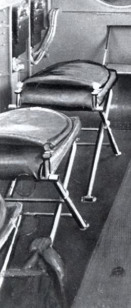 """Couzinet type 71 ARC-5 """"L'avion de Mermoz"""" (1:72, SEM model) - Page 3 Cabine15"""