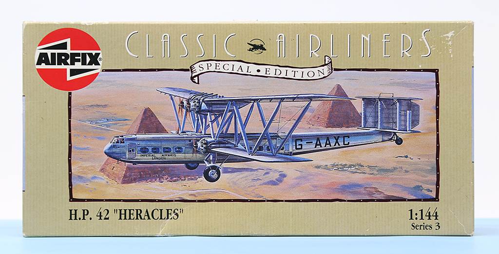 "Handley-Page H.P.42 ""Heracles"", Airfix (1965), 1/144ème. Img_0335"