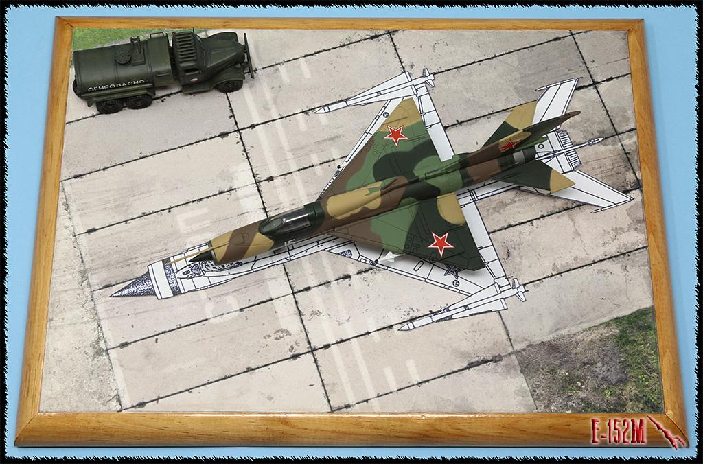 Mikoyan-Gourevitch E-152M  - Modelsvit #72030 - 1/72ème. Img_0426