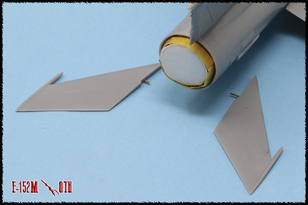 Mikoyan-Gourevitch E-152M  - Modelsvit #72030 - 1/72ème. - Page 2 Img_0824