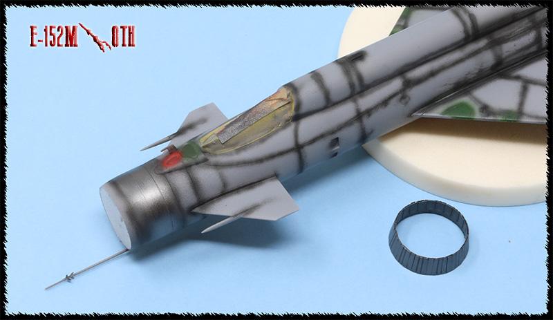 Mikoyan-Gourevitch E-152M  - Modelsvit #72030 - 1/72ème. - Page 2 Img_0833