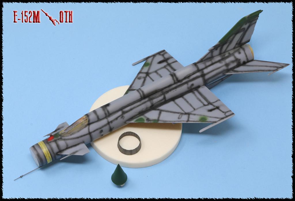 Mikoyan-Gourevitch E-152M  - Modelsvit #72030 - 1/72ème. - Page 2 Img_0834