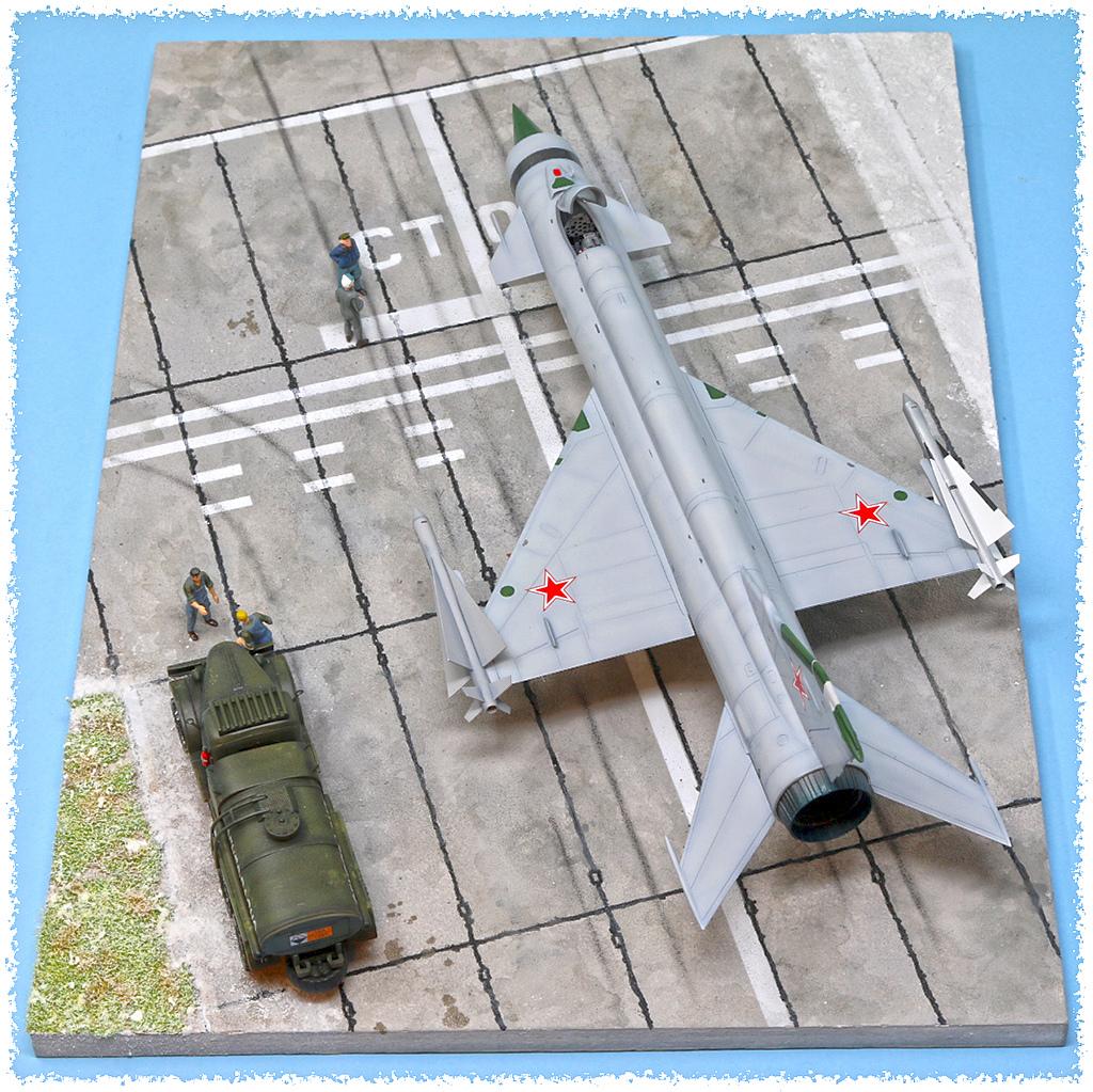 Mikoyan-Gourevitch E-152M  - Modelsvit #72030 - 1/72ème. - Page 4 Img_0912