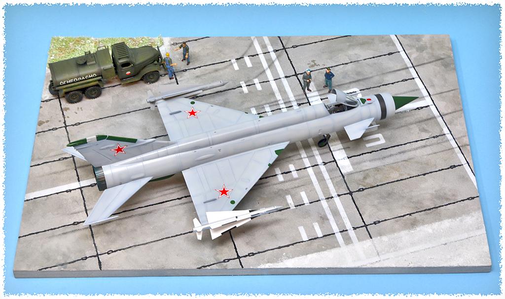 Mikoyan-Gourevitch E-152M  - Modelsvit #72030 - 1/72ème. - Page 4 Img_0914