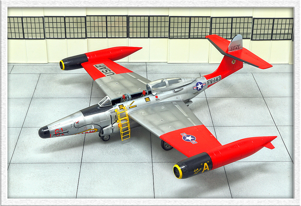 "Northrop F-89D ""Scorpion"" (1:72 - Academy) Img_7913"