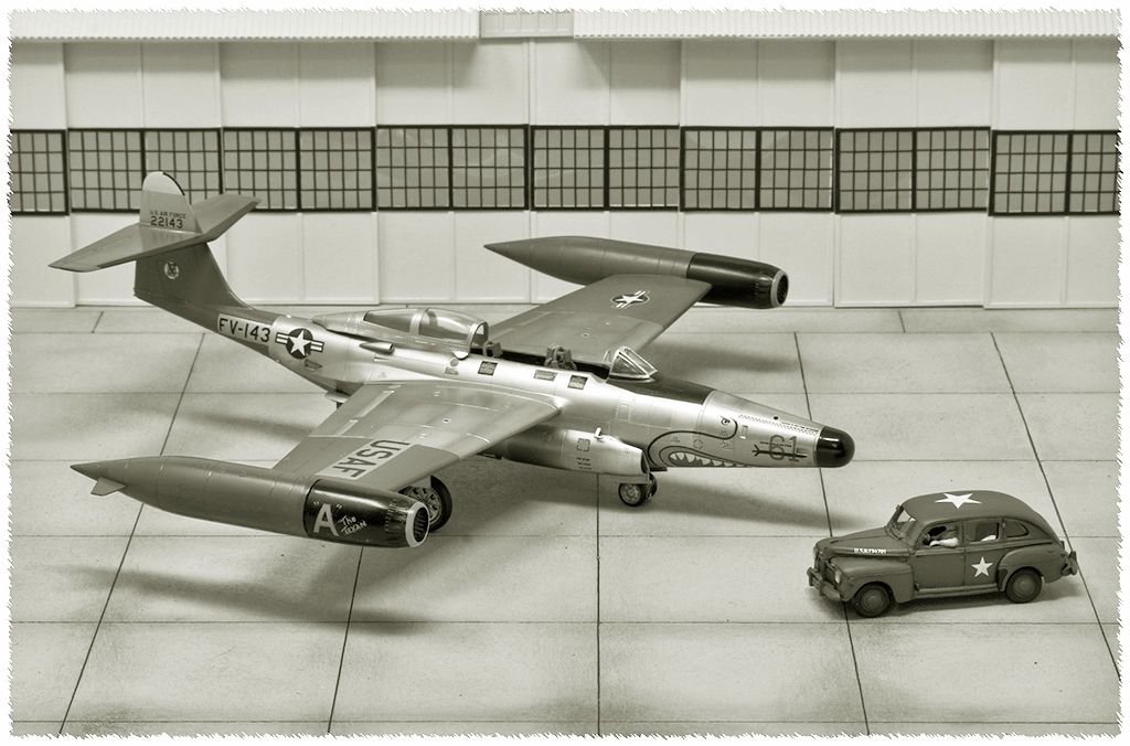 "Northrop F-89D ""Scorpion"" (1:72 - Academy) Img_7916"
