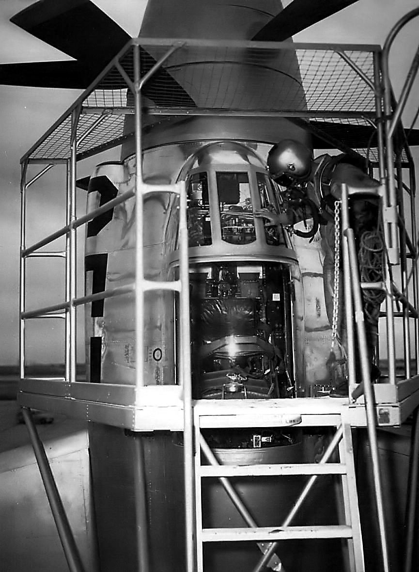 "Lockheed XFV-1 ""Salmon"" (1:72 -Valom) Xfv1_010"
