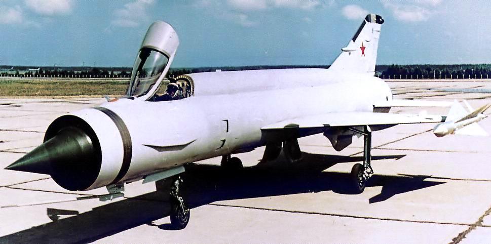 Mikoyan-Gourevitch E-152M  - Modelsvit #72030 - 1/72ème. Ye152p11